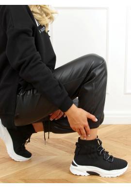 Dámske ponožkové tenisky s vysokou podrážkou v čiernej farbe