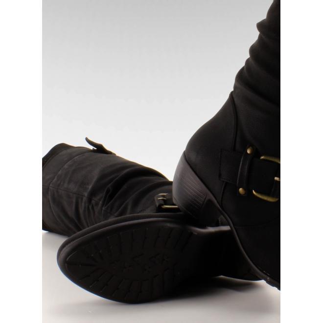 Dámske čierne čižmy na nízkom podpätku s prackami