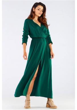 Dlhé dámske šaty zelenej farby na jeseň