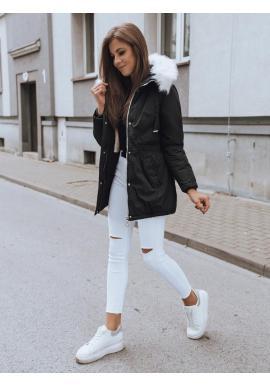 Zimná dámska parka čiernej farby s kapucňou