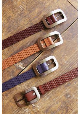 Dámsky kožený prepletaný opasok v bordovej farbe