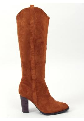 Klasické dámske čižmy hnedej farby na stabilnom opätku