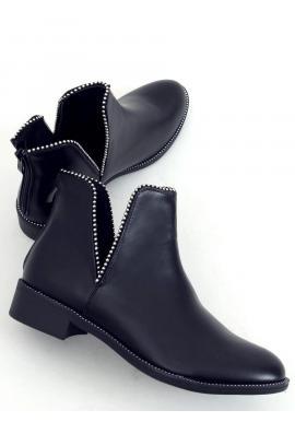 Dámske členkové topánky s výrezmi v čiernej farbe