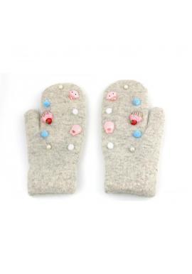 Dámske zimné rukavice s ozdobami v sivej farbe