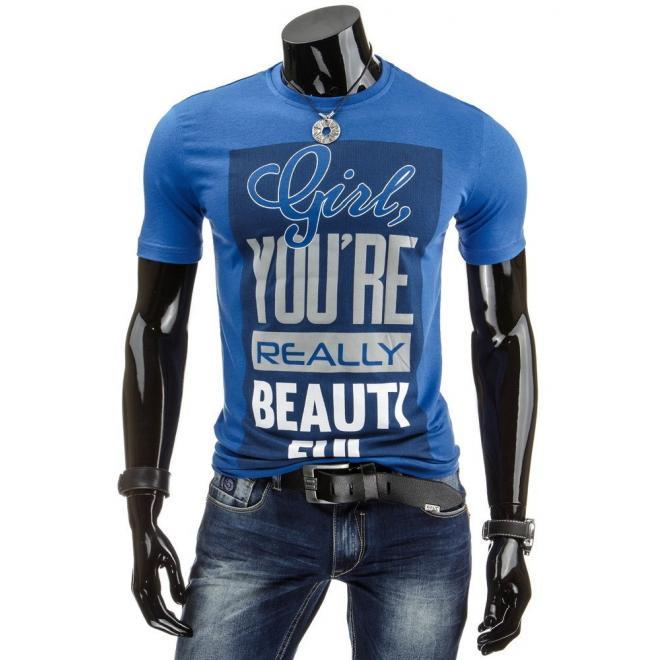 Pánske tričko tmavomodrej farby so štýlovou potlačou