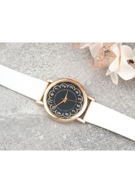 Čierne dámske hodinky na koženom remienku