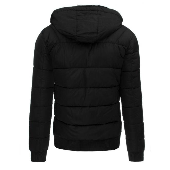 Pánska prešívaná bunda s kapucňou v čiernej farbe
