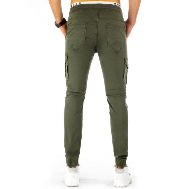 Športové pánske nohavice s vreckami v olivovej farbe