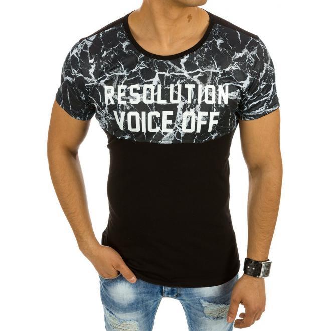 8f9174cd7dd9 Štýlové pánske tričká s potlačou v čiernej farbe. Bavlnené pánske tričká s  maskáčovým prvkom v bielej farbe