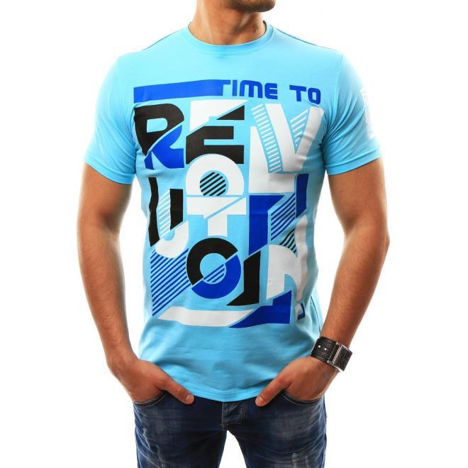 5c4795c02d5d Športové pánske tričko svetlomodrej farby s potlačou. Biele športové tričká  s potlačou pre pánov