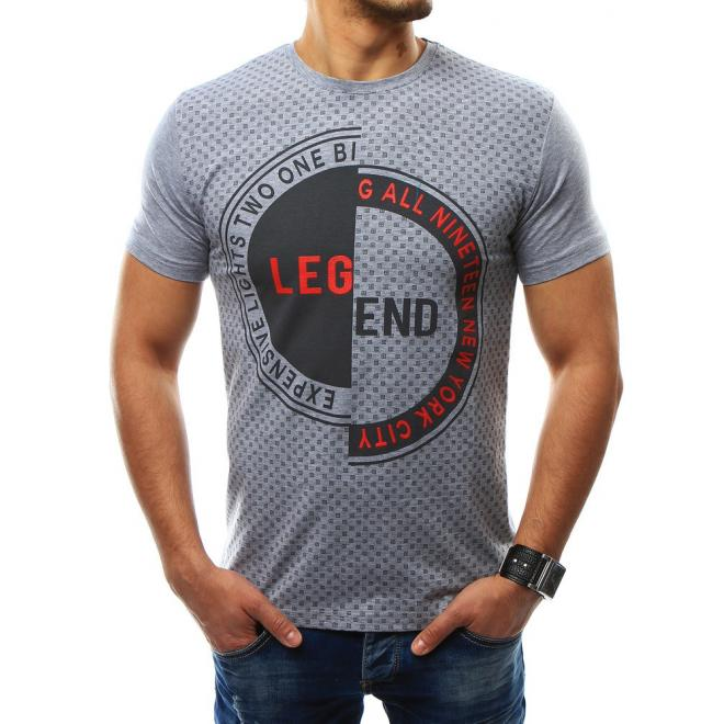 f14dd3cc5cb9 ... farby s krátkym rukávom. Moderné pánske tričko v bielej farbe s potlačou