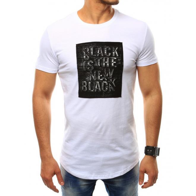 c216085656a0 Pánske štýlové tričko s nášivkou v bielej farbe - skvelamoda.sk