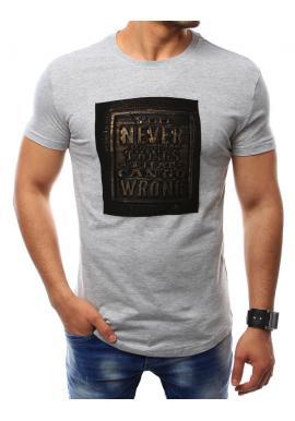 2e24a4f6b4ae Klasické pánske tričká čiernej farby s nášivkou ...
